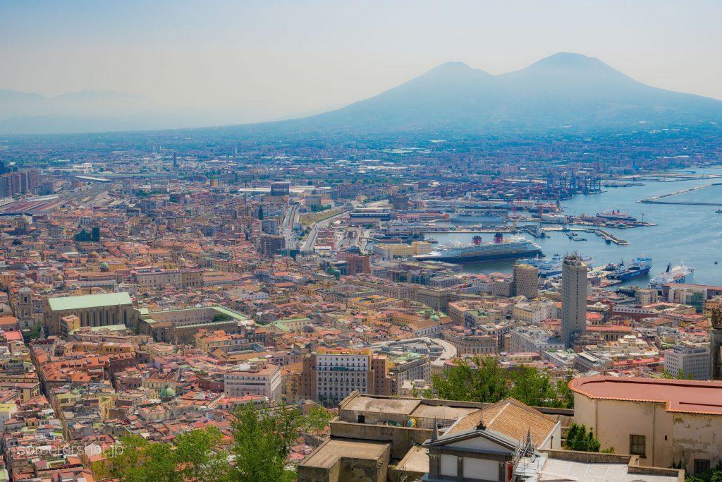 サンテルモ城から眺めるナポリの街