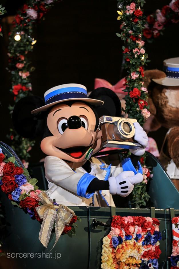 いい写真が撮れて大満足でニューヨークを後にするミッキー